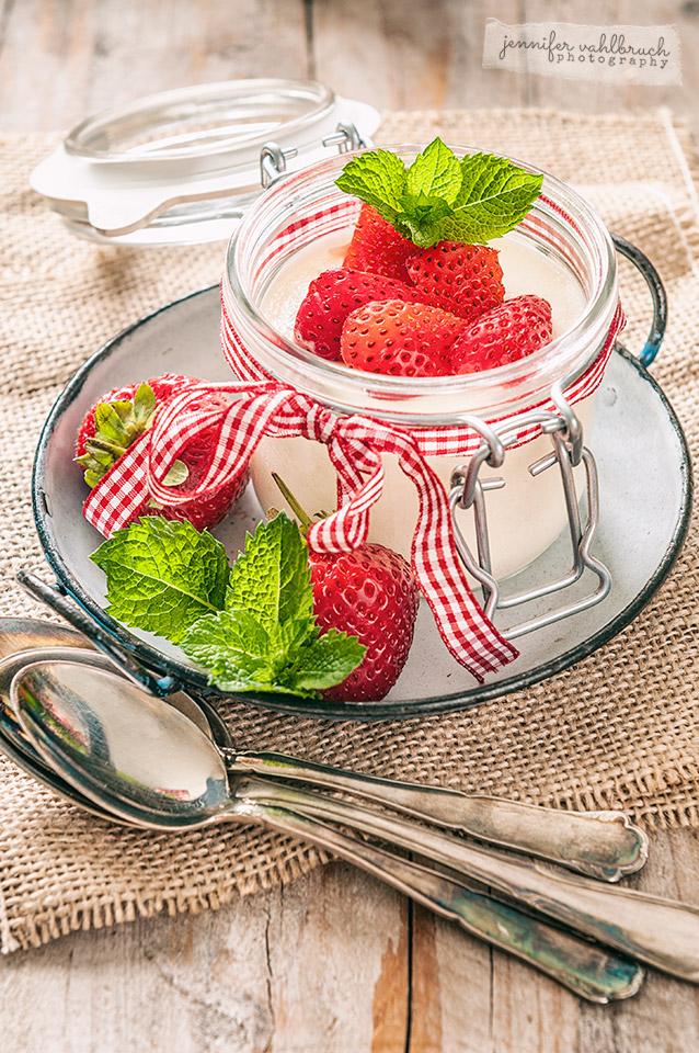 Quark Mousse with Strawberries - Jennifer Vahlbruch
