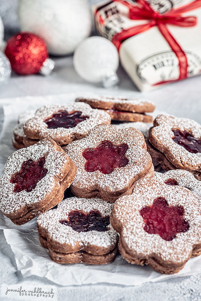 Linzer Cookies - Jennifer Vahlbruch
